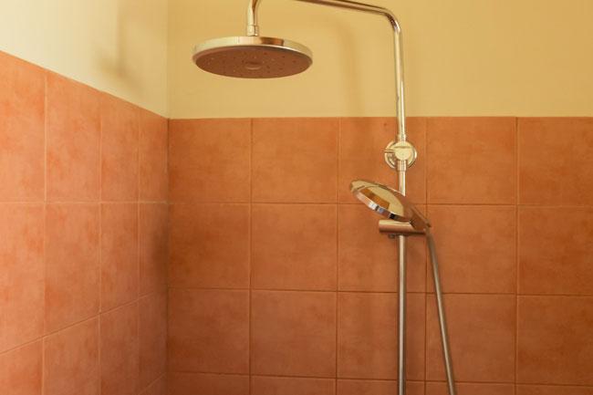 Chalet2Bathroom-3w